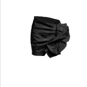 Lanvin x H&M black ruffle miniskirt Sz4 Never worn